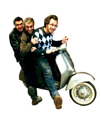 a-trois-sur-un-scooter-3 2